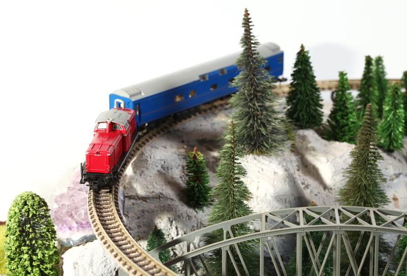 赤い貨物列車